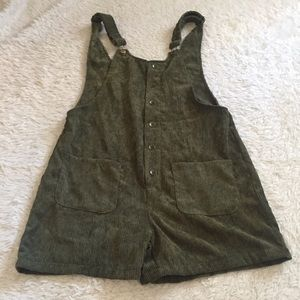 Green Corduroy suspender shorts